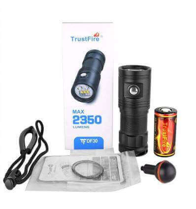 TrustFire DF30 2350lumen, 101m Throw Diving Photo Video Light
